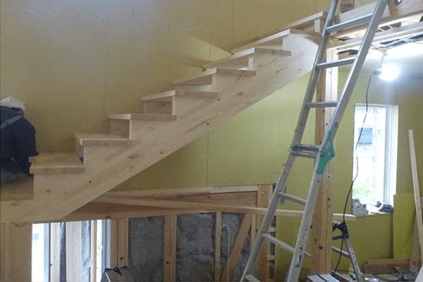 家ができるまでの流れ 階段造作工事